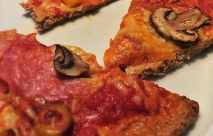 Low Carb Gerichte - Pizzateig ohne Kohlenhydrate